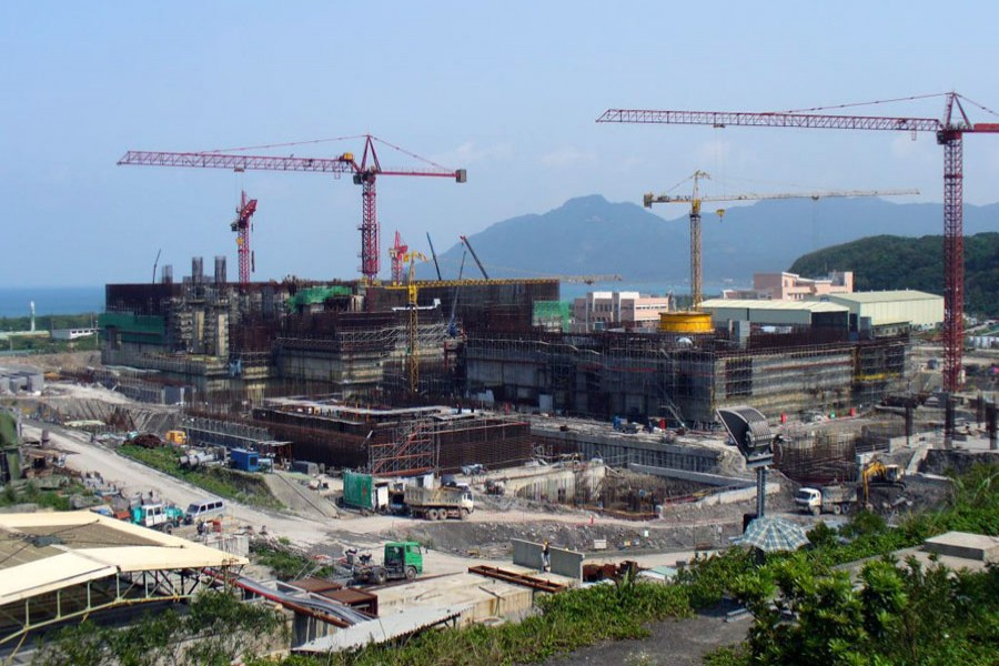 Encouraging investment thru' economic zones for rapid economic growth