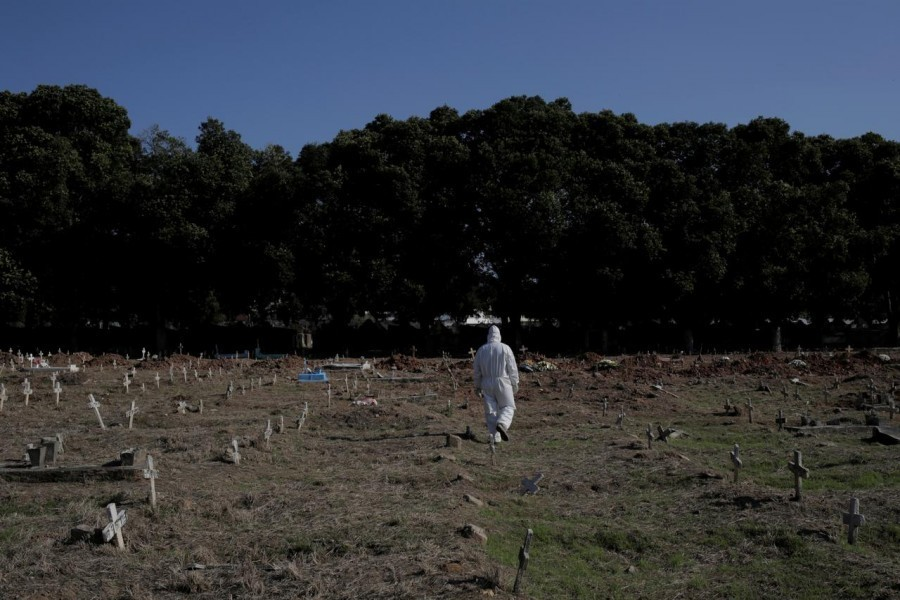 A gravedigger walks by Sao Francisco Xavier cemetery during the outbreak of the coronavirus disease (Covid-19), in Rio de Janeiro, Brazil on April 23, 2020 — Reuters/Files