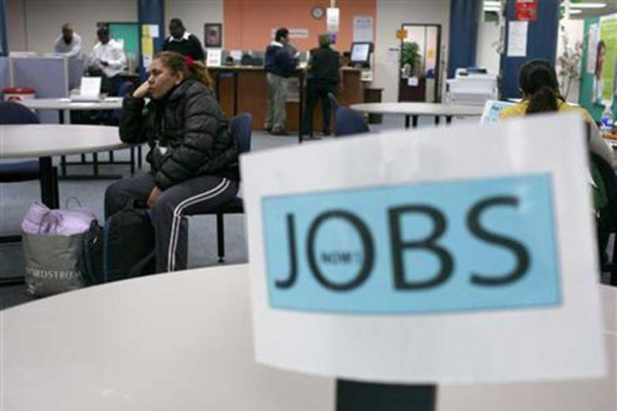 Job seekers visit an employment centre in San Francisco, US — Reuters/Files