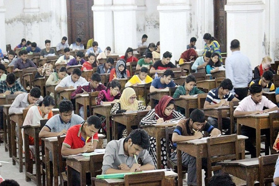 DU suspends evening MBA admission test amid controversy