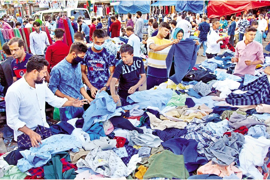 Winter knocking on the door as warm clothes market getting crowded