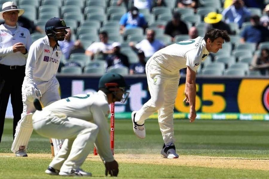 Rohit Sharma wicket leaves hosts on top