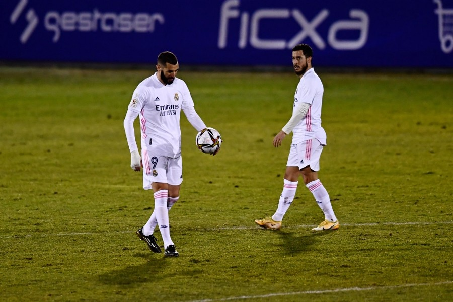 Karim Benzema and Eden Hazard of Real Madrid cut dejected figures during the match — AP photo