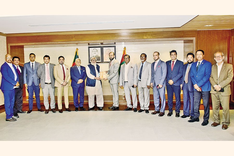 A DCCI delegation led by its president Rizwan Rahman paid a courtesy call on Prime Minister's Private Industry and Investment Adviser Salman F Rahman at the Bangladesh Investment Development Authority (BIDA) auditorium at the city's Agargaon on Thursday