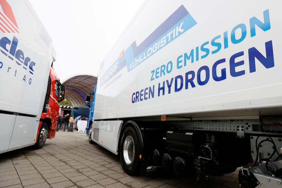 A new hydrogen fuel cell truck made by Hyundai is pictured ahead of a media presentation for the zero-emission transport of goods at the Verkehrshaus Luzern (Swiss Museum of Transport) in Luzern, Switzerland on October 7, 2020 — Reuters/Files