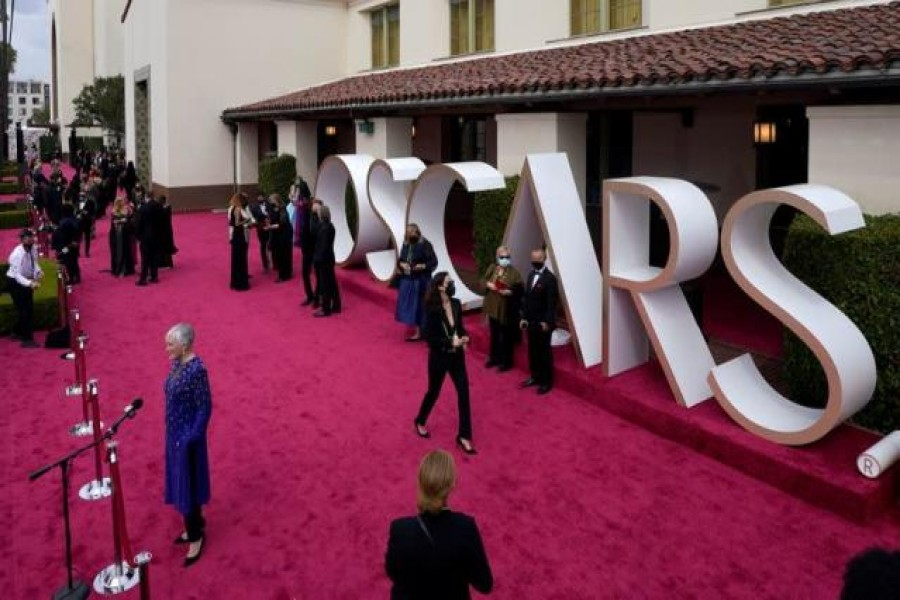 Final TV ratings for Oscars inch up to 10.4m viewers