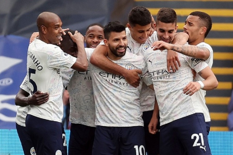 Aguero fires Man City to brink of title