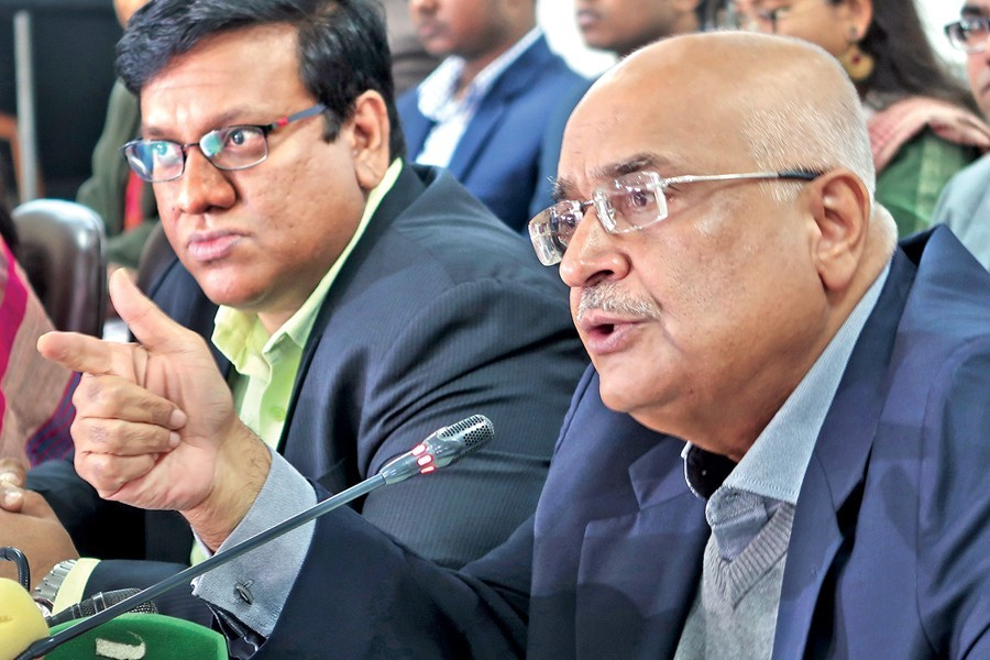Protect consumption, promote employment in next budget, Debapriya says