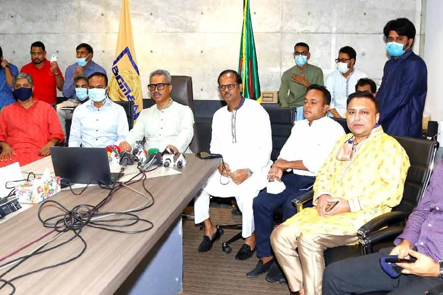 Bangladesh Garment Manufacturers and Exporters Association (BGMEA) President Faruque Hassan addressing a press conference on Wednesday -UNB Photo