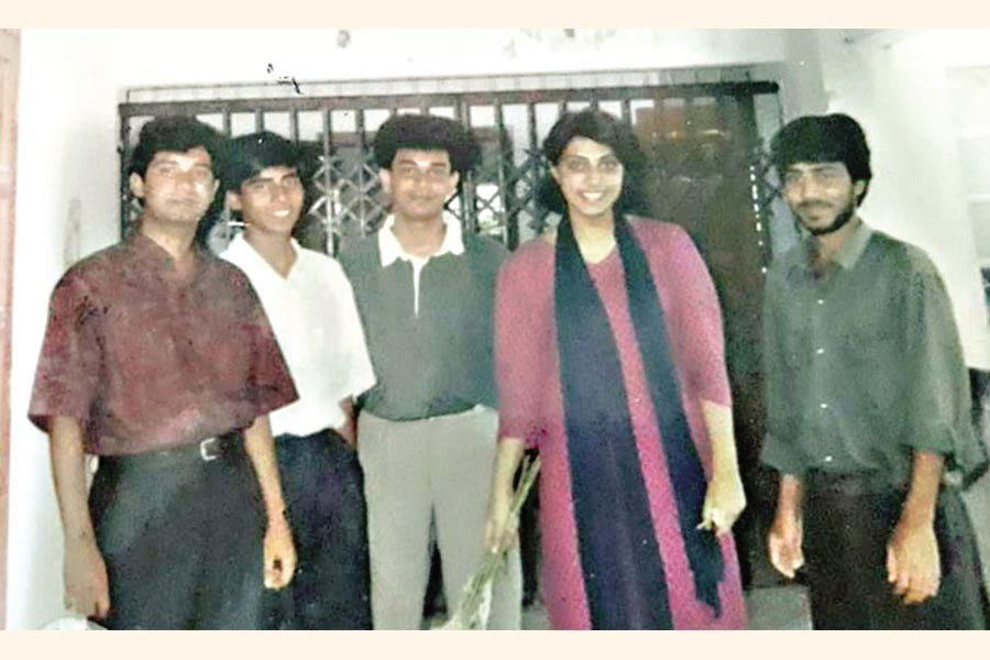 The author (extreme right) with a few International Relations classmates at Kalabhabhan (Arts Building) of Dhaka University some time in 1991-92