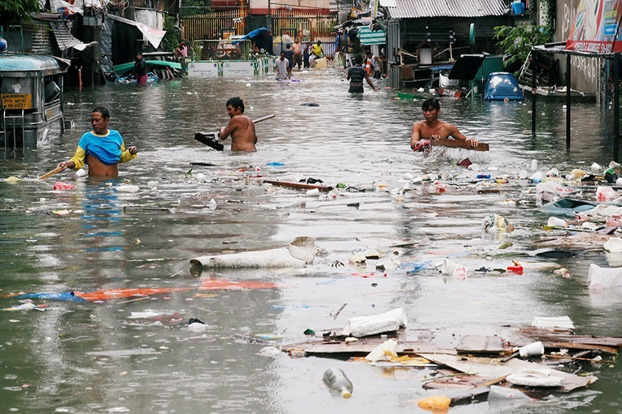 Flash flood forecasting, EW save lives and combat poverty