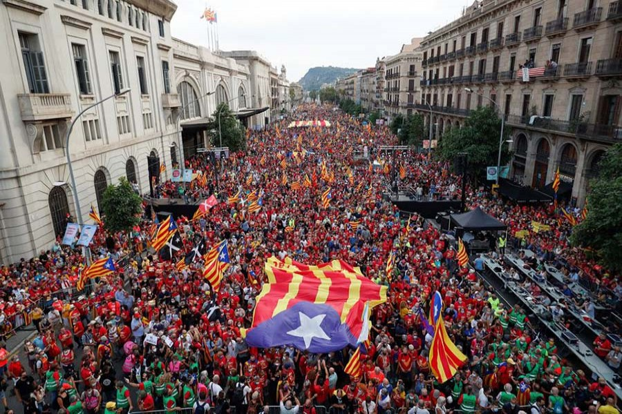 Catalans in their thousands rally for independence from Spain