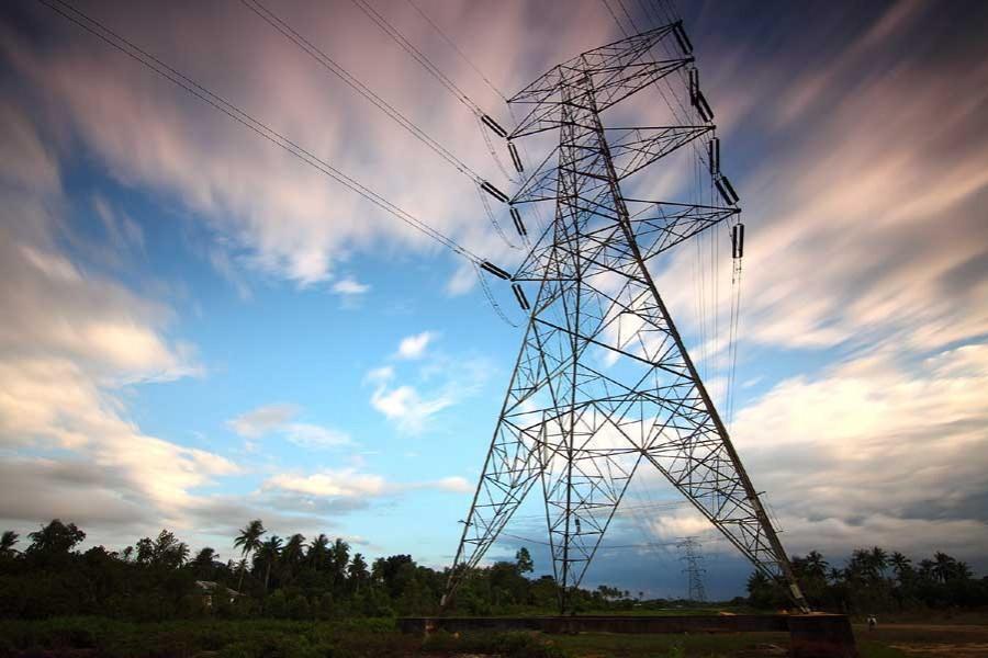 Parliament passes 'quick rental' power bill amid protests
