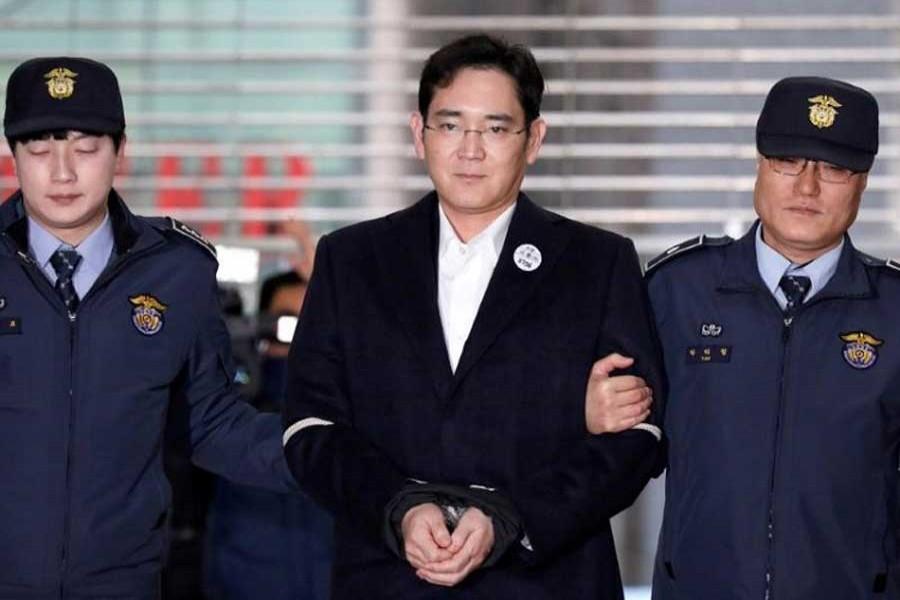 Samsung chief gets 5-year prison term