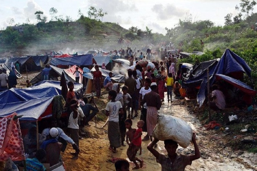 Rohingya refugees are seen at Thaingkhali makeshift refugee camp in Cox's Bazar, Bangladesh, September 14, 2017. Reuters