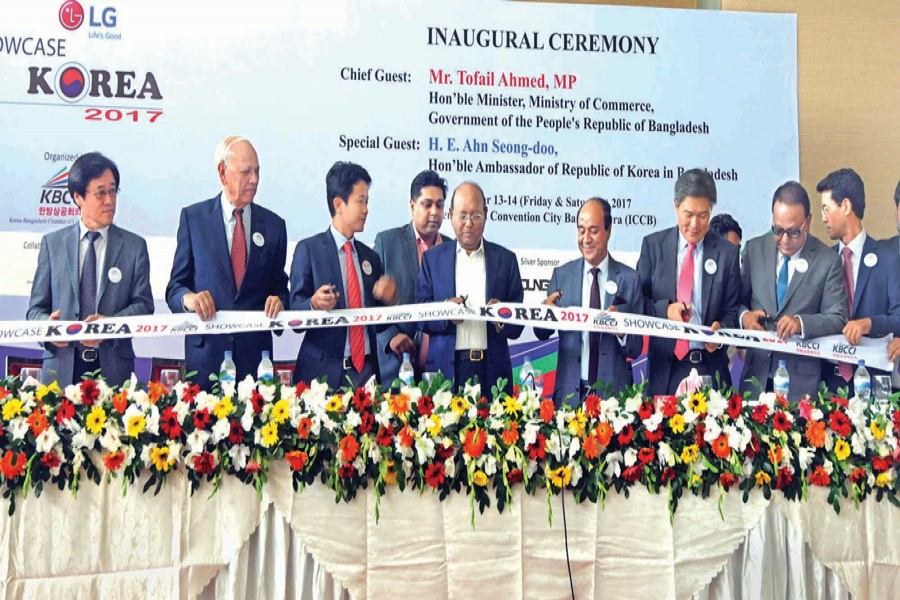 Commerce Minister Tofail Ahmed inaugurating Friday 'Showcase Korea 2017' organised by the Korea-Bangladesh Chamber of Commerce and Industry in Dhaka — FE Photo