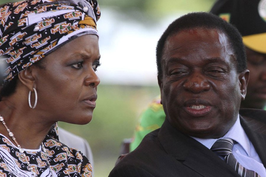 President Robert Mugabe's wife Grace Mubage and vice-President Emmerson Mnangagwa attend a gathering of the ZANU-PF party's top decision making body, the Politburo, in the capital Harare, Zimbabwe, February 10, 2016. (Reuters File Photo)