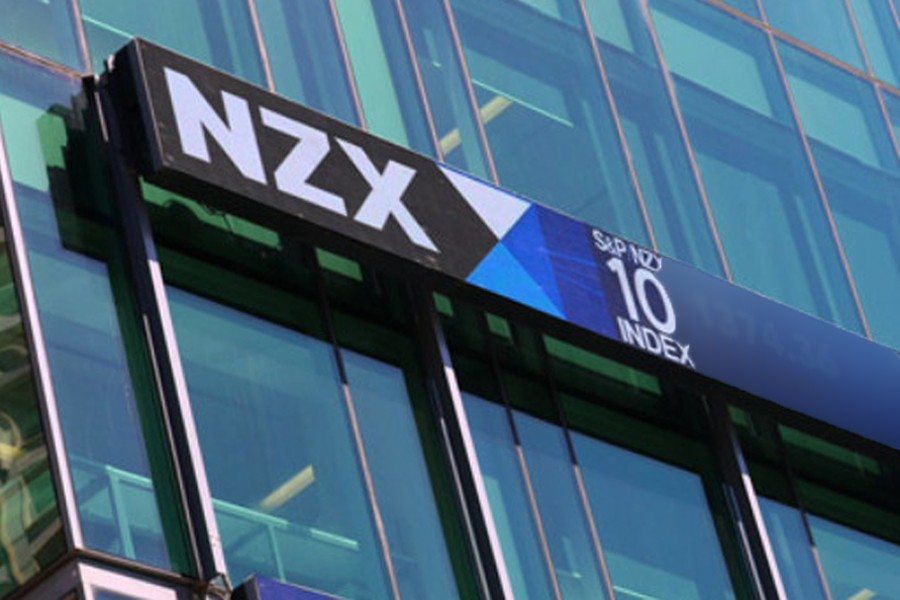 NZ shares track for weekly gain