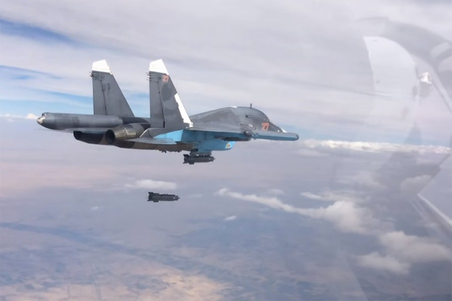 A Russian Su-34 conducting a bombing raid in Syria. - Internet file photo