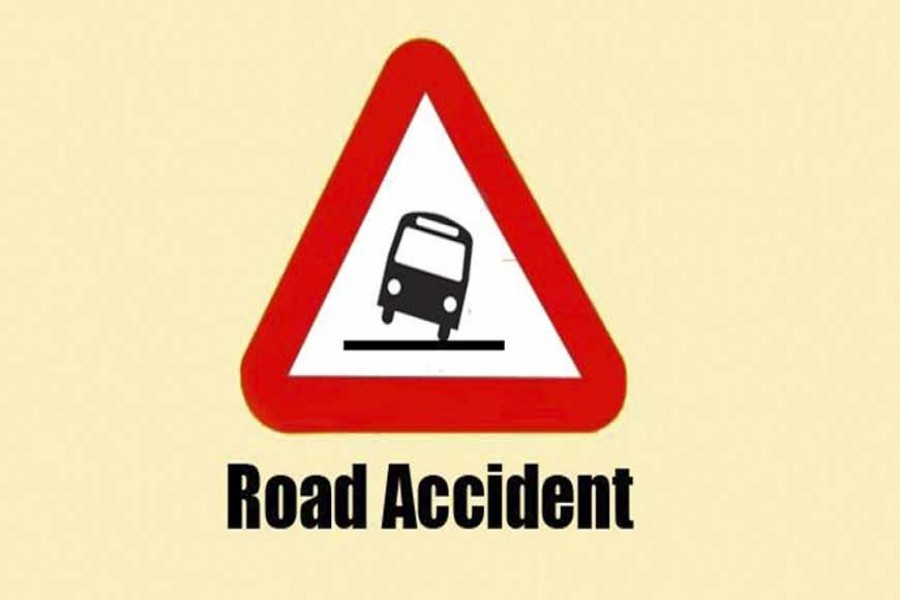 Truck driver dies in Pabna road mishap