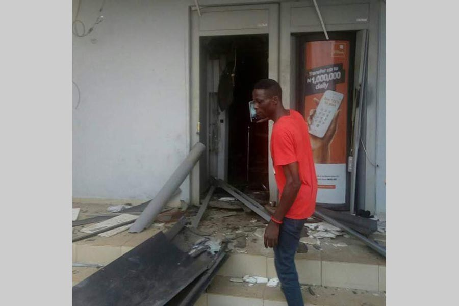 Robbers blow up Nigerian banks with dynamites