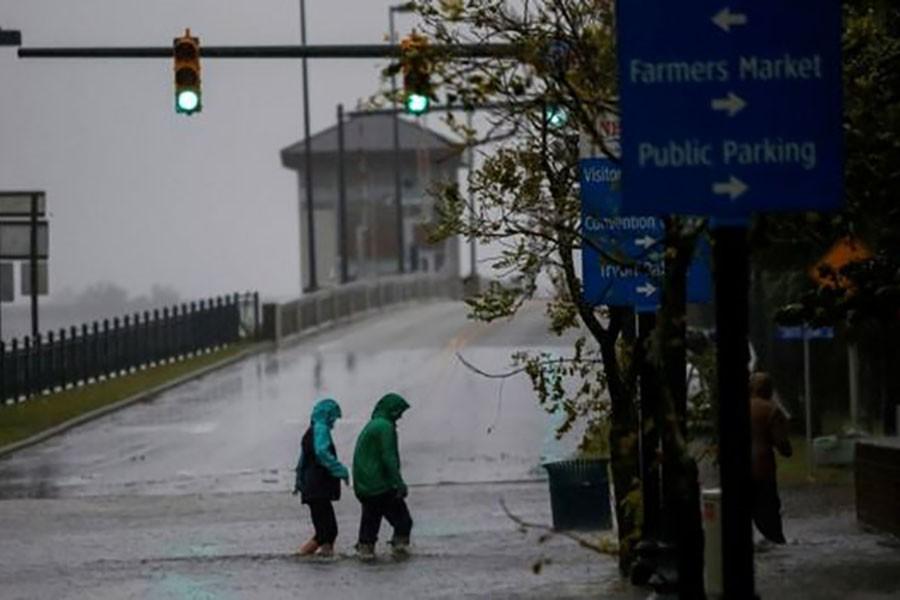 Life-threatening Hurricane Florence approaches North Carolina