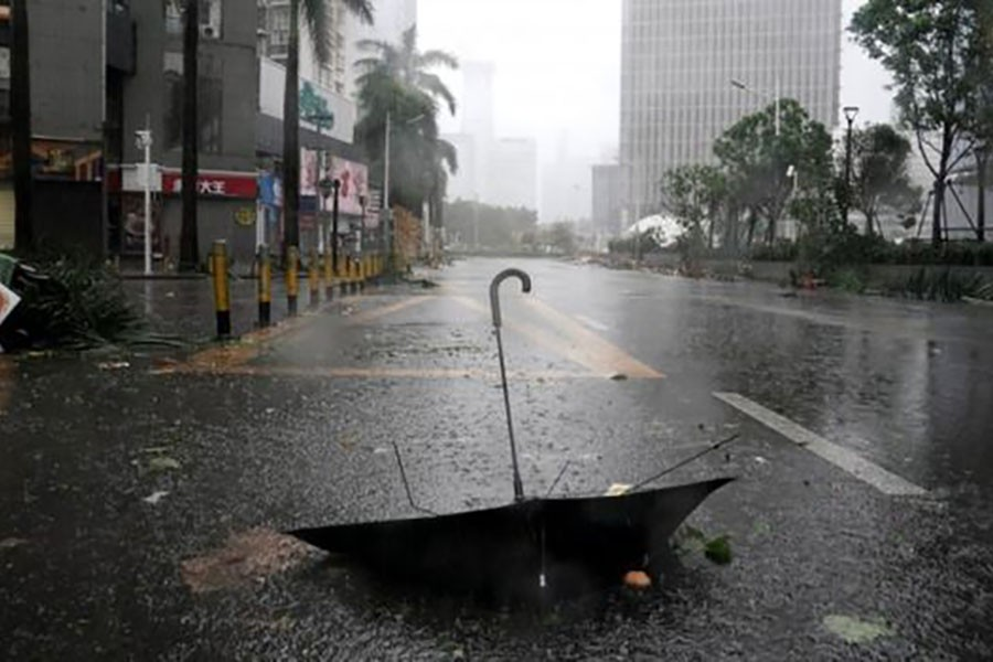 Deadly typhoon batters China after killing 36 in Philippines