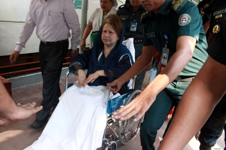 BNP Chairperson Khaleda Zia seen being taken to Bangabandhu Sheikh Mujib Medical University (BSMMU) for medical treatment in this undated Focus Bangla photo