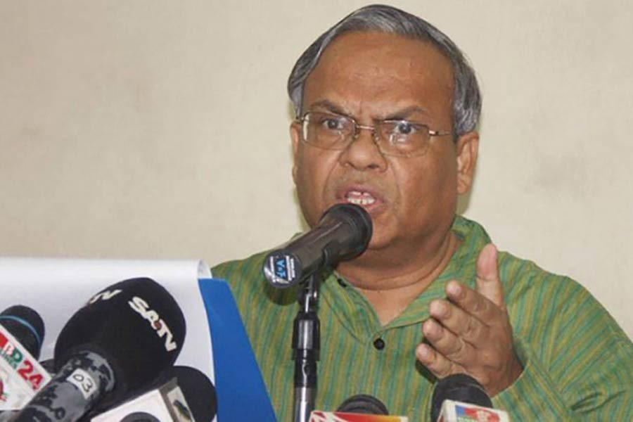 Rizvi accuses govt of 'selectively' blocking candidates