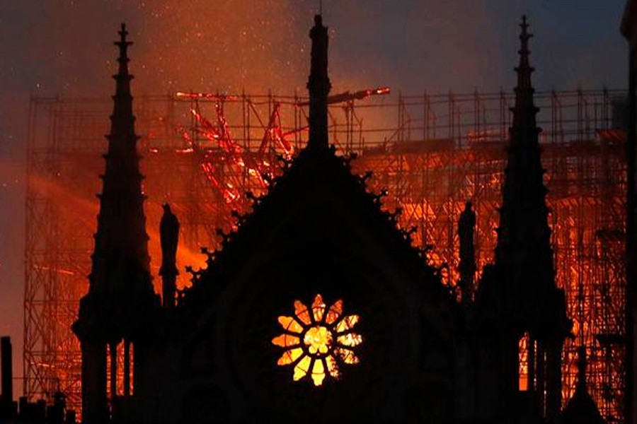 Nearly $1.0b raised to rebuild Paris' Notre Dame
