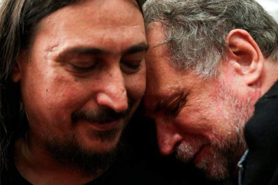 Son finds family after 40 years in Argentina