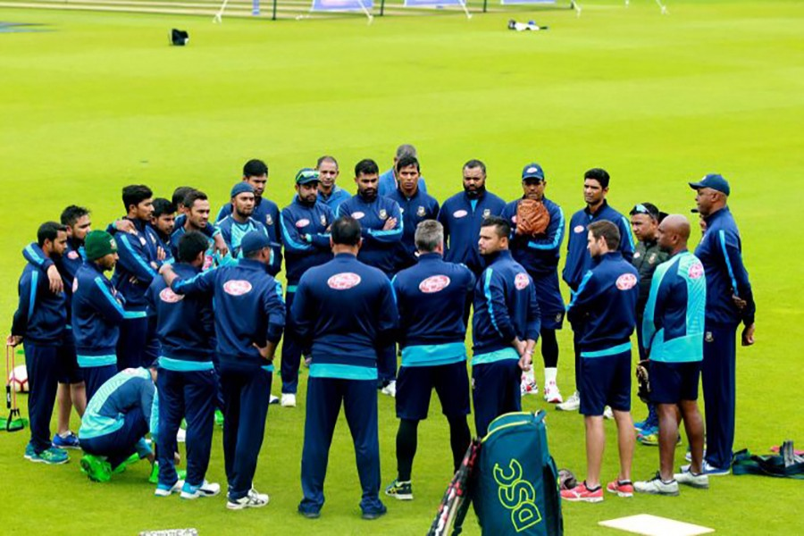 Players of Bangladesh National Cricket Team listen to the instructions from their head coach Steve Rhodes during a practice session in The Oval, London, United Kingdom recently. Photo courtesy: BCB