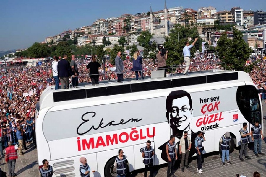 Ekrem Imamoglu, mayoral candidate of the main opposition Republican People's Party (CHP), addresses his supporters during an election rally in Istanbul, Turkey, June 22, 2019. Reuters