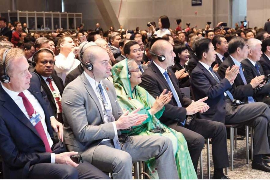 Prime Minister Sheikh Hasina (third from left) during a session of World Economic Forum (WEF)'s Annual Meeting of the New Champions 2019 in the Chinese city of Dalian on July 0 2, 2019. —Photo :  PID