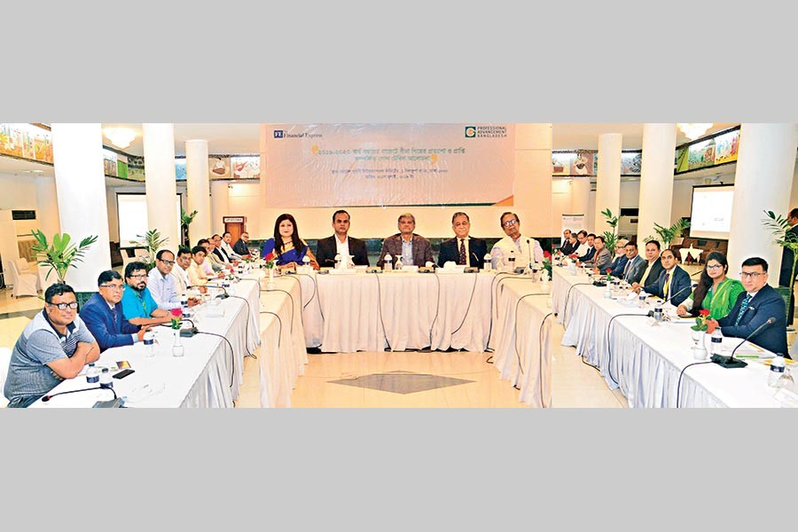 A PABL-FE Roundtable on Insurance Industry's Expectations and Attainments in the Budget 2019-2020 in progress at a city hotel recently