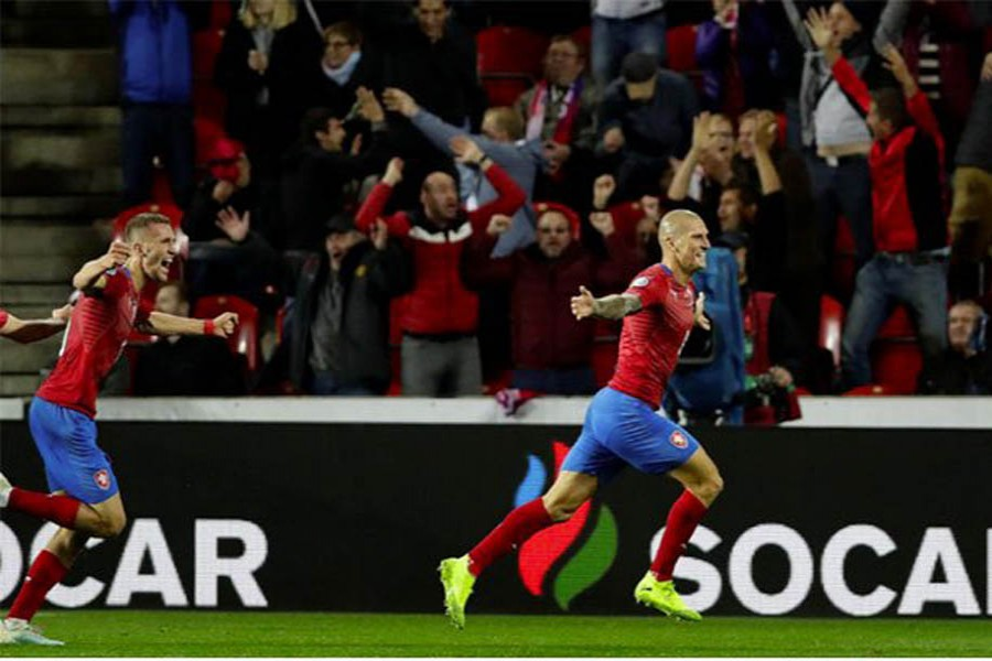 Czech Rep's comeback win denies England Euro qualification