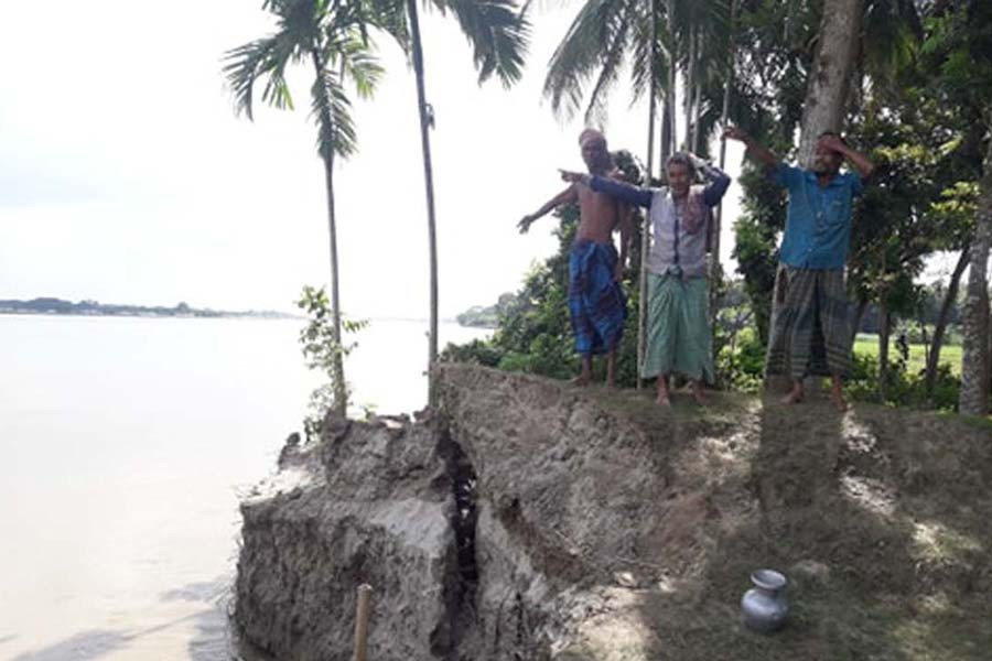 Erosion by the Madhumati river has taken a serious turn at Volanathpur village under Mohammadpur upazila in Magura district    	— FE Photo