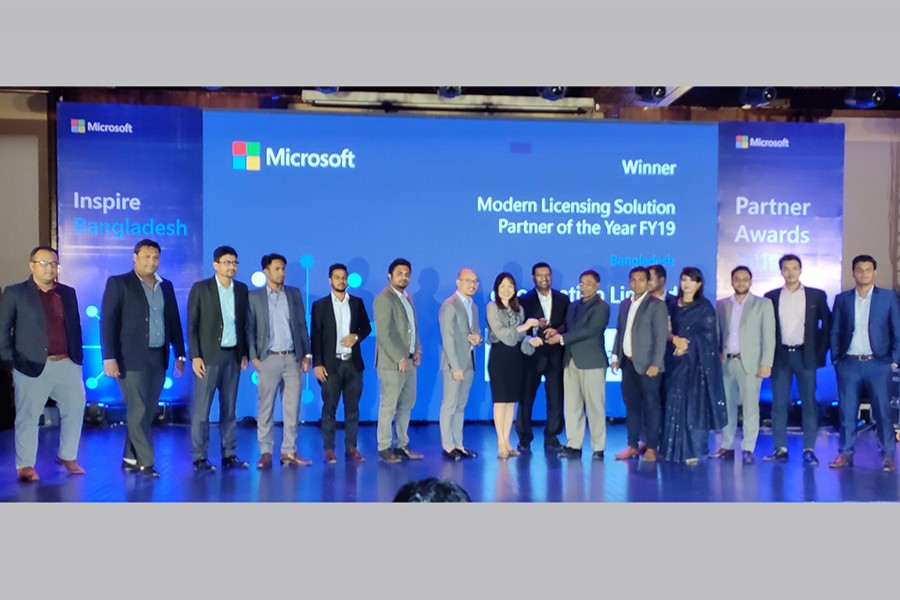 S.M. Ashraful Islam, executive vice chairman of eGeneration Ltd and Emran Abdullah, Head of Operations receiving Microsoft's Modern Licensing Solution Partner for FY19 award from Sook Hoon Cheah, President of Microsoft's Southeast Asia Market and Afif Mohamed Ali - Managing Director, Microsoft Bangladesh.