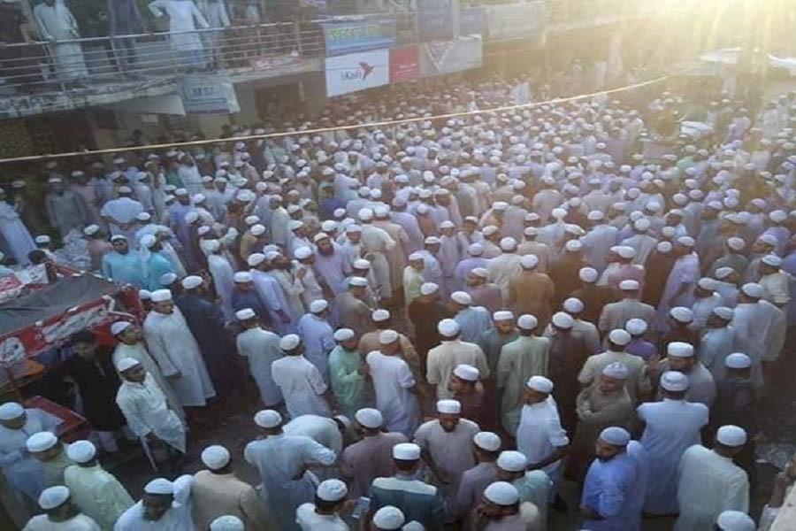 Madrasah students attack police in Chattogram over Bhola violence