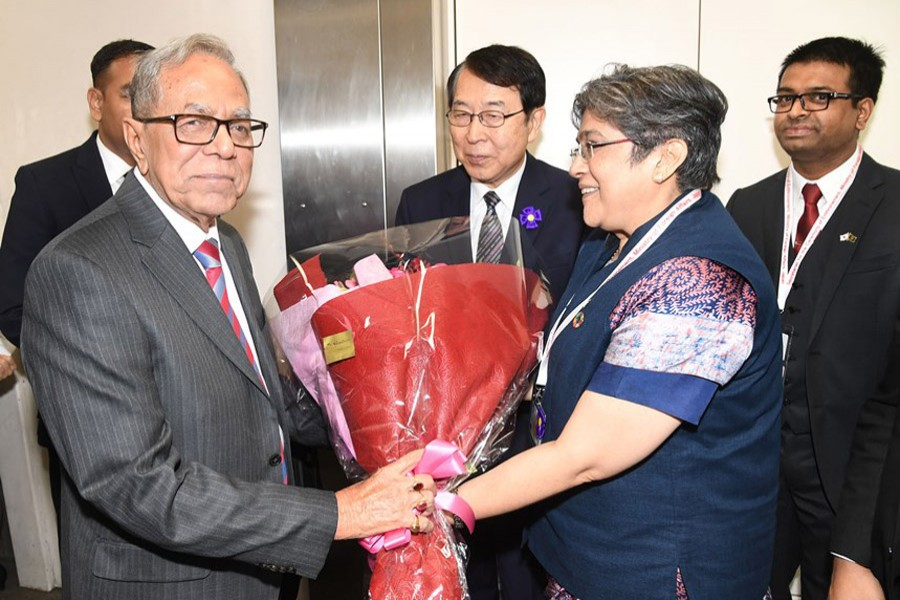 Bangladesh Ambassador to Japan Rabab Fatima and Special Assistant to Japanese Foreign Minister Kenjiro Monji received the President at Haneda International Airport (Photo: PID)