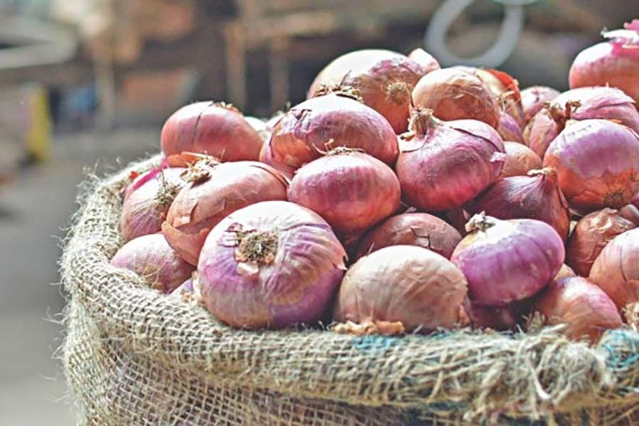 Onion market to become stable soon: Commerce secretary