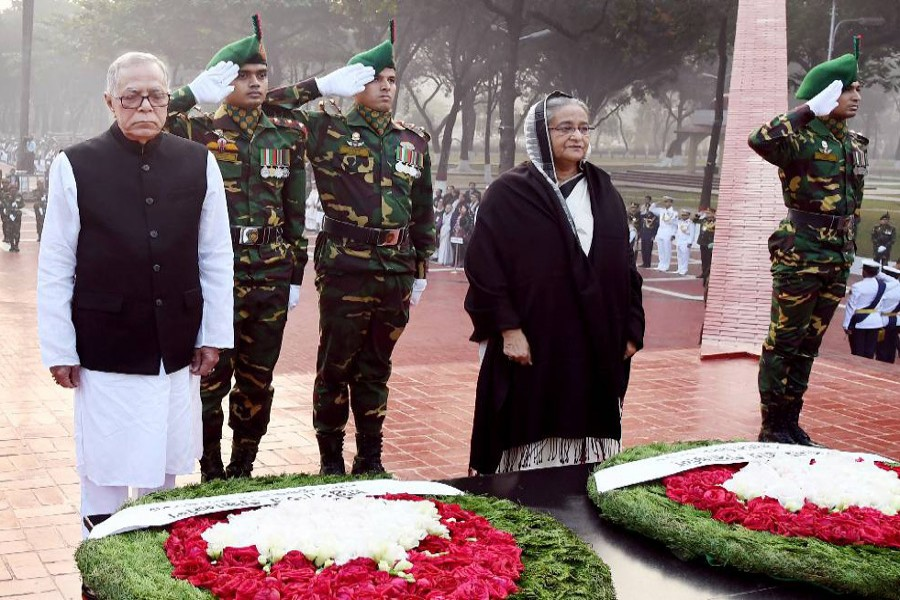 President, PM pay tribute to martyred intellectuals