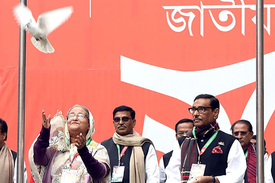 Prime Minister Sheikh Hasina releasing a pigeon during the inaugural session of Awami League's 21st triennial national council-2019 at the historic Suhrawardy Udyan in the city on Friday. -PID Photo