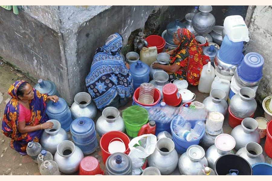 People in Dhaka have been facing waterborne diseases as they are yet to be provided with safe water . —Photo: bdnews24.com