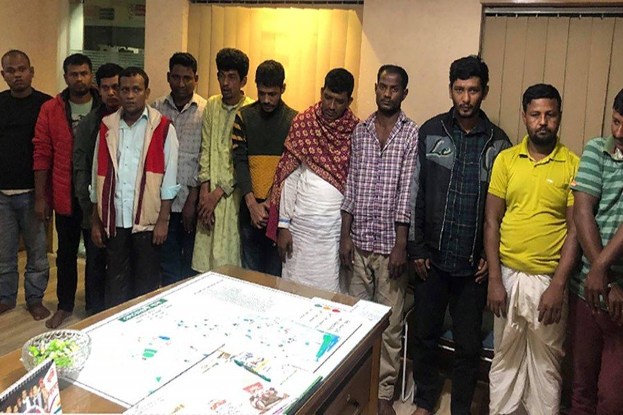12 arrested for gambling in Chattogram