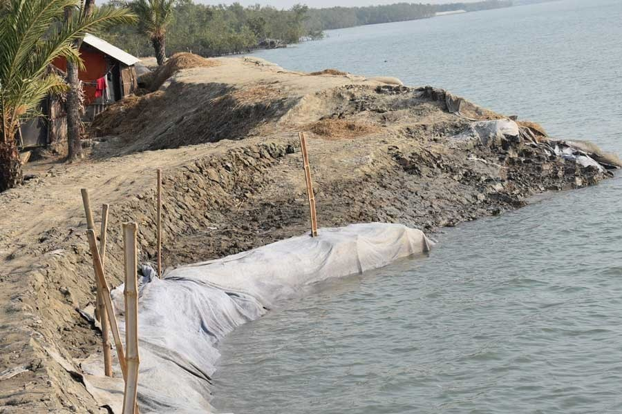 Embankment projects in all risky areas in phases