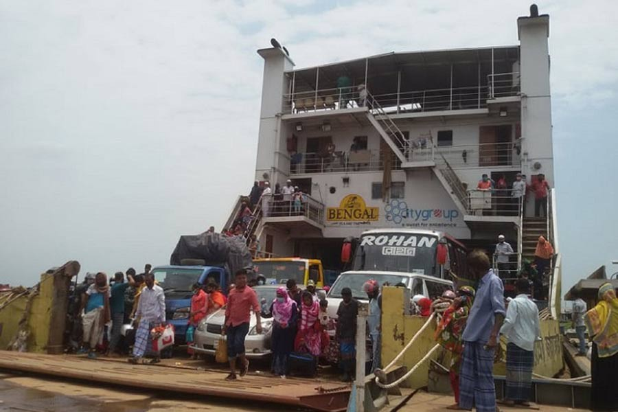 Ferry services on Kathalbari-Shimulia route resume on limited scale