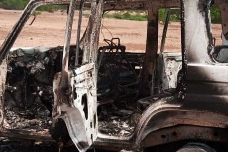 Gunmen kill six French aid workers in Niger