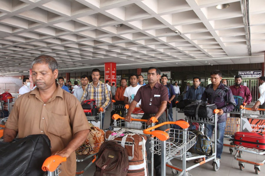 Over 225,000 Bangladeshi expats return home in last seven months