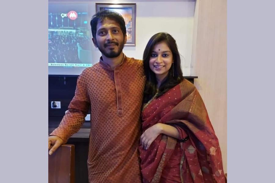 Bangladeshi artiste Arnob marries India's Sunidhi